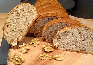 Dinkel- Walnuss- Brot